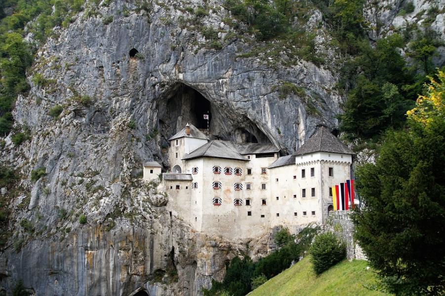 Restips: Slottet Predjama