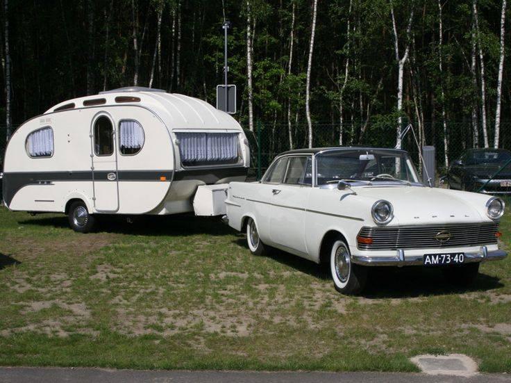 Opel med stilfull vagn