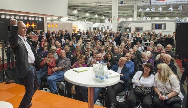 Ståuppkomikern Lennie Norman kommer till Caravan Stockholm 2016