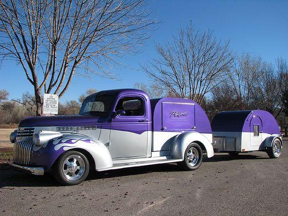 Liten lila husvagn