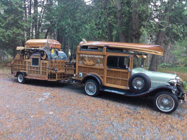 Ford från 1929 med husvagn
