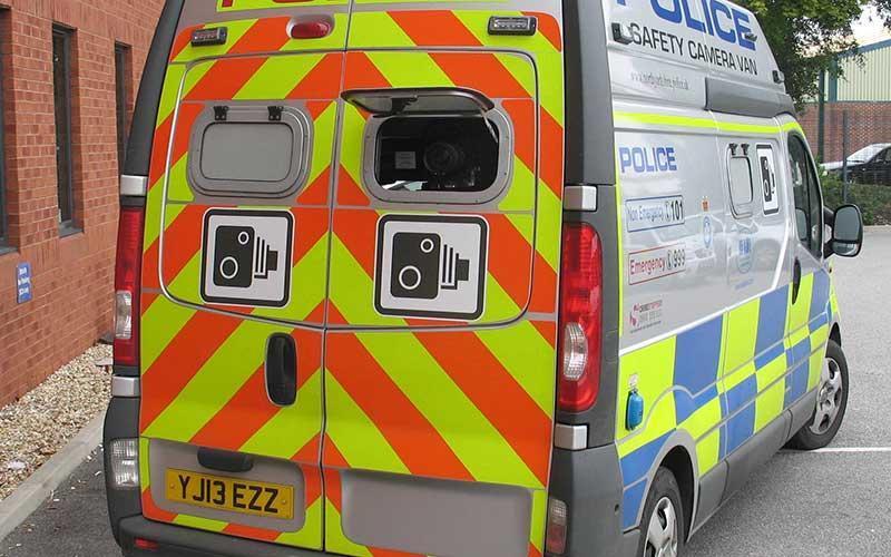 Så här ser en fartkamerabil ut, men nej, det är inte den här bilen som förekommer i denna dråpliga historia. Foto: North Yorkshire Police