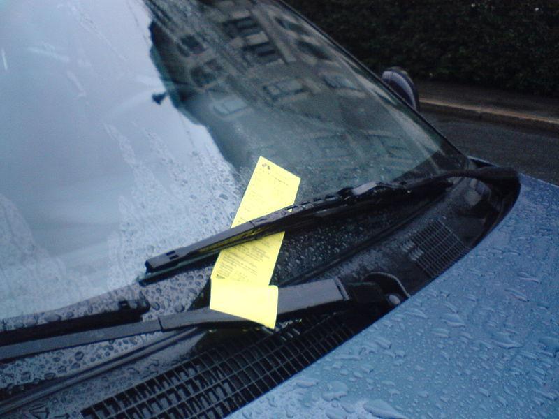 Rekordfå svenskar har parkeringsskulder
