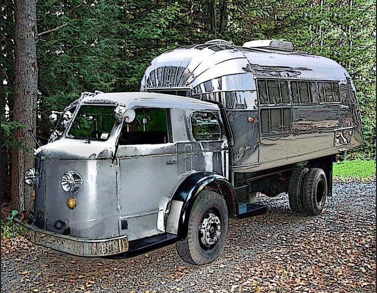 Med husvagn på flaket