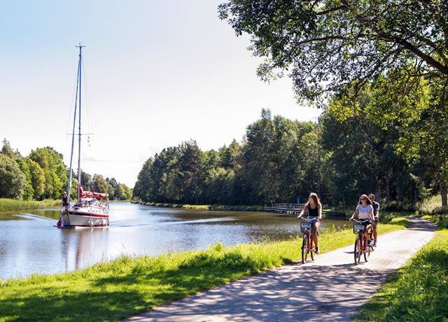 Nyrenoverad Göta Kanal öppnad