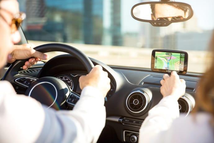 TomTom lanserar ny navigator med WiFi och smartphone-anslutning