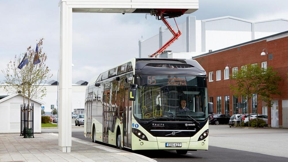 Eldriven buss från Volvo vinner terräng