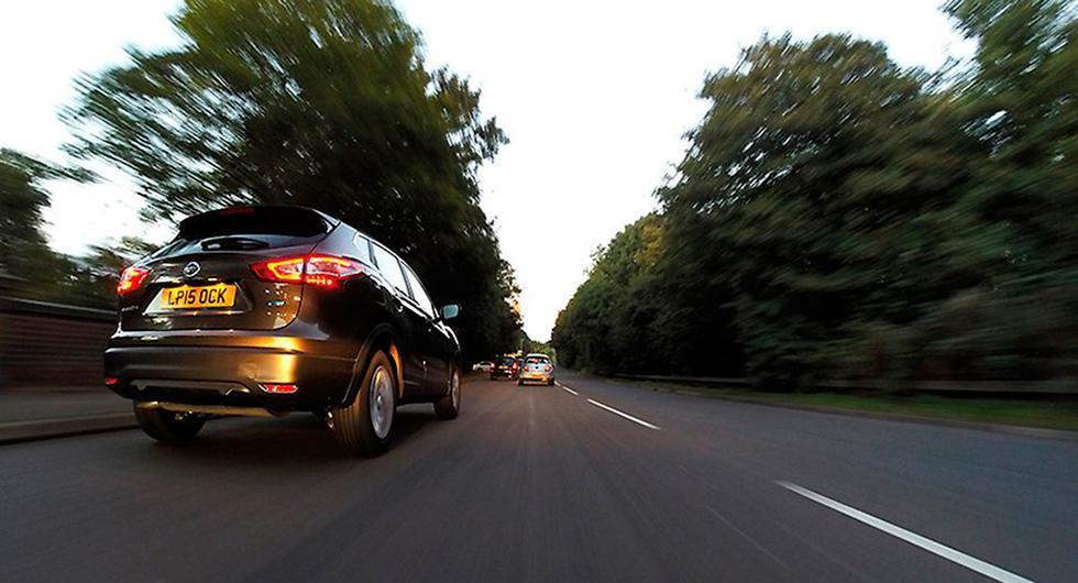 Svenskt forskningsinstitut har lett insamlingen av utsläppsdata från 700.000 dieselbilar i Europa. Resultatet: De släpper ut mer kväveoxider än tillåtet.