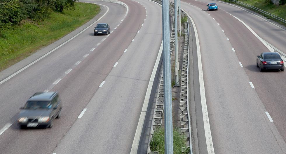 Regeringen backar om höjd skatt på äldre bilar