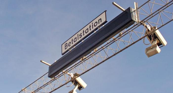 Broavgifter och ökad trängselskatt föreslås i Stockholm