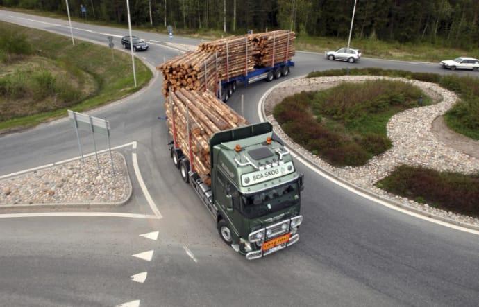 Längre och bredare lastbilar borde tillåtas