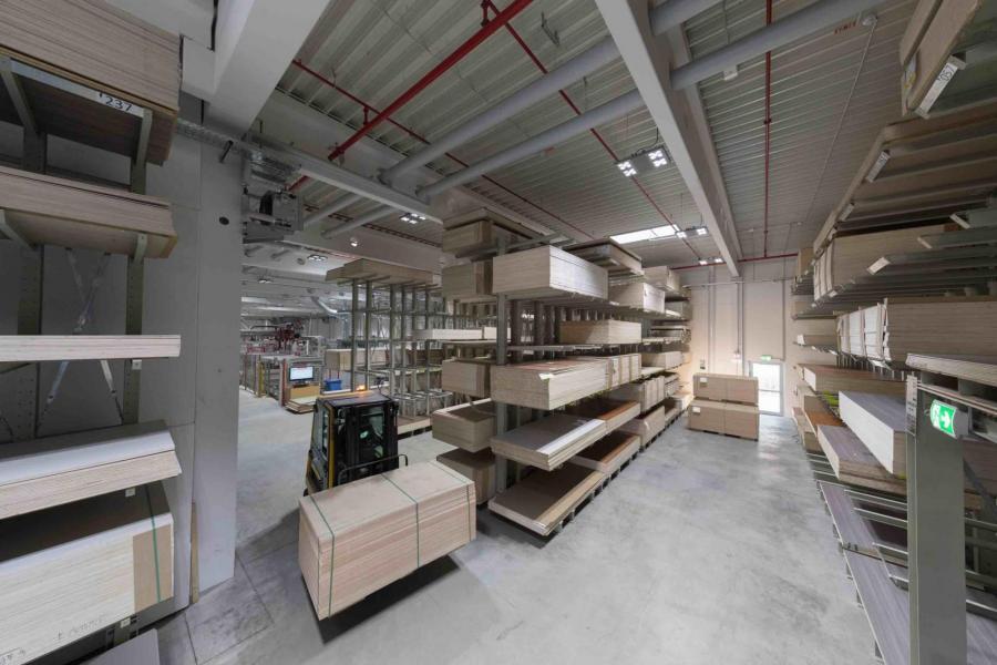 Hobby investerar tiotals miljoner i en ny anläggning