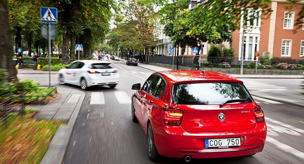 Om två år kan det bli stopp för en del bilar att köra inne i städer. Det är upp till varje kommun att införa miljözoner.
