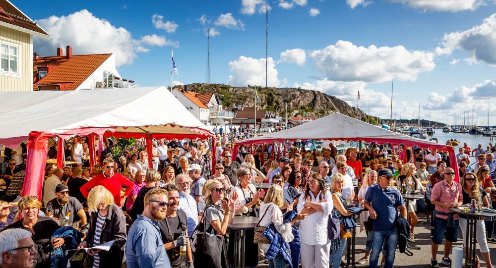 Ostronets dag förlänger säsongen i Grebbestad. Besökare kommer från hela Sverige och ostronätarna blir fler och fler.
