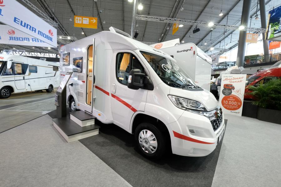 Smalare Sunlight Van