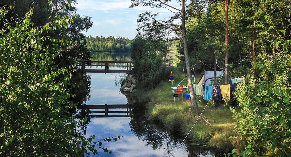 En paddeltur mellan Channel Island och Outback Camping kanske kan locka? Den mysiga kanalen går via en av badplatserna. Båtar och kanoter finns på plats.