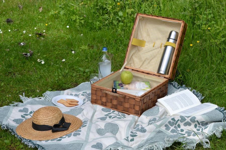 Slut med plast vid picnic