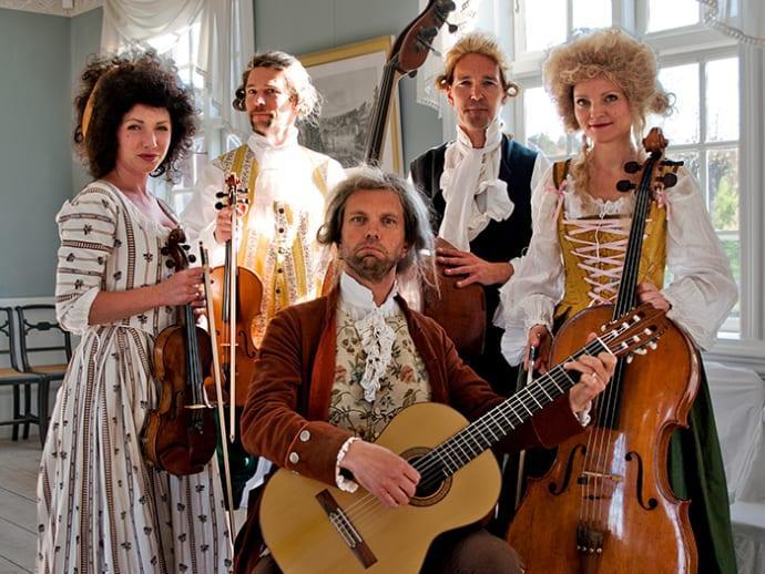 På söndag firas Cajsa Warg i Wadköping
