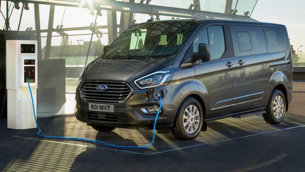 Ford Transit blir eldriven 2021