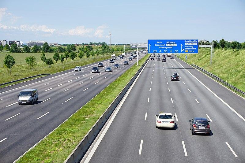 Tyskland får inte införa avgift på Autobahn