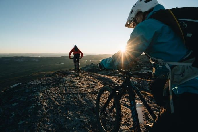 Midnattscykling på Åreskutan är en av Åre Bike Festival mest populära aktiviteter.