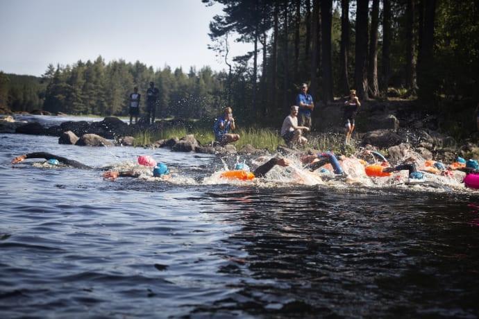 Vansbrosimningens stora simhelg startar på fredag