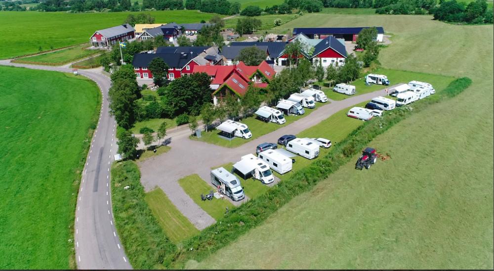 Lögnäs gård, ställplats med all inclusive