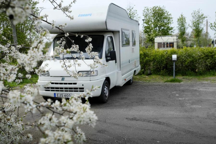 SR uppmärksammar semester med husbil
