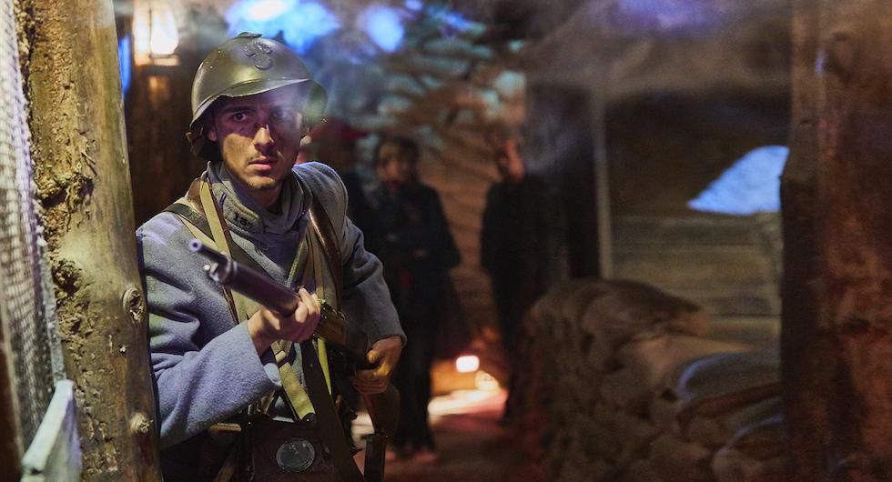 Skådespelare, ljud och ljus ska ge känslan av skyttegravslivet under första världskriget.