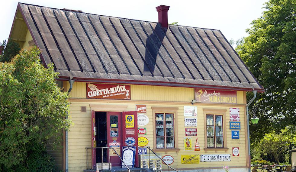 Mitt på den gotländska landsbygden ligger Dunbodi gamla handelsbod. En härlig fläkt från förr.