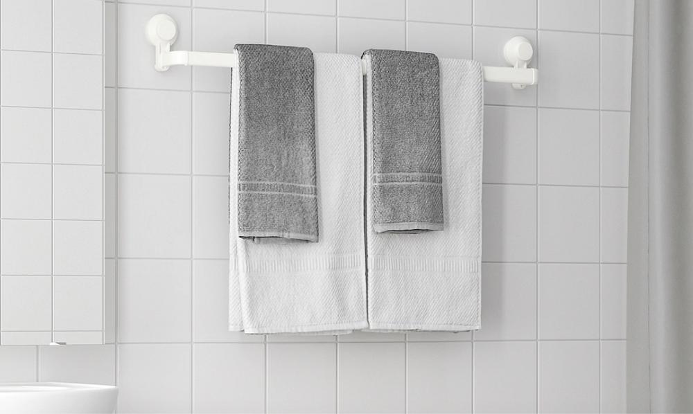 Mer hängare i badrummet