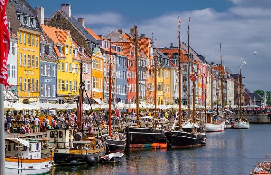 Danmark tillåter nu resor utan bokning