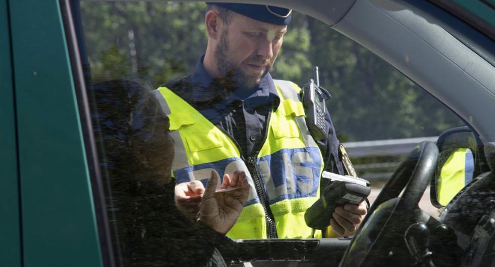 Polisen börjar åter med kontroll av nykterhet
