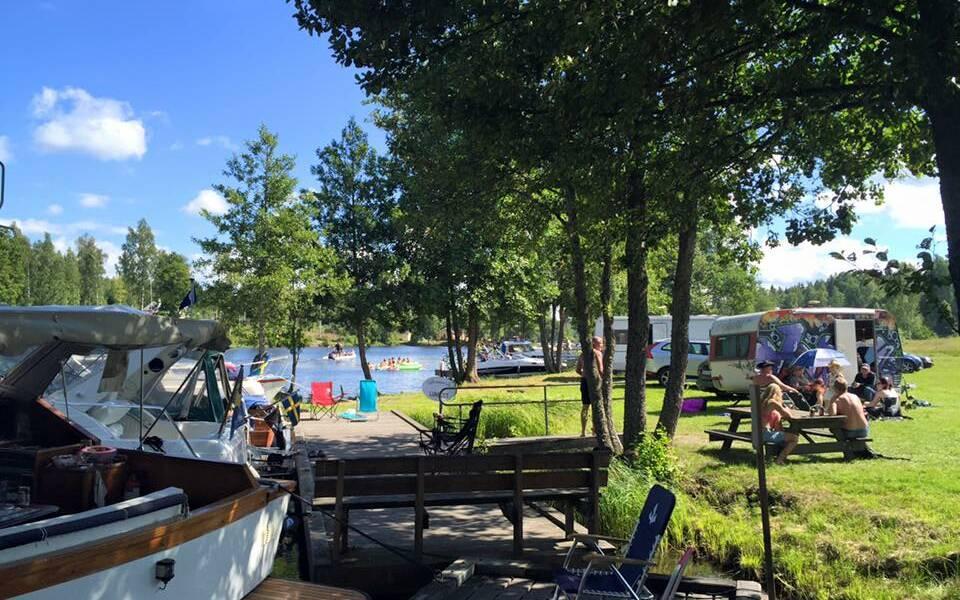 Staten ger stöd men kommun höjer campings arrende