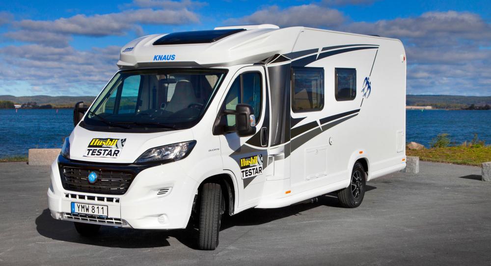 Den nye och havet. Knaus 650 MF levereras under 2019 i L!ve TI-utförande, alltså den lite enklare kategorin av husbilar från Knaus.