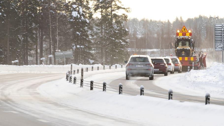 Fyra av tio svenskar blir stressade av plogbilen