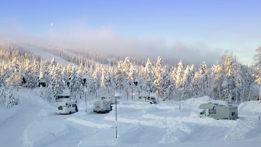 SkiStar Sälen utökar med 40 ställplatser för husbilar i Lindvallen