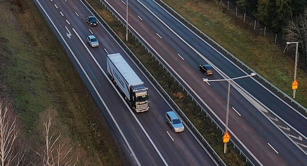 Nu testar Scania självkörande lastbilar på E4