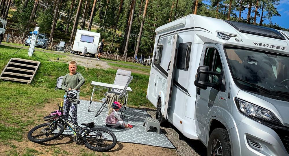 Bo mobilt: Friluftsfamiljen använder husbilen året om