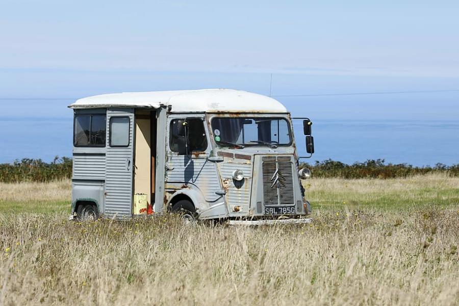 När blir en bil för gammal för att vara optimal ur miljösynpunkt? Det ska nu utredas.