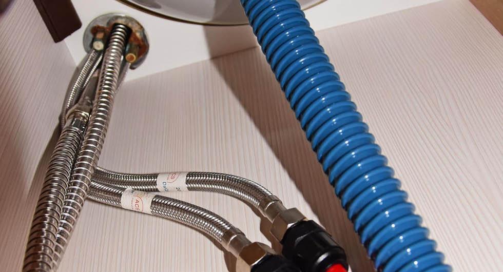 Stor guide till avloppet i husvagnen och husbilen – så funkar färskvatten, gråvatten och svartvatten