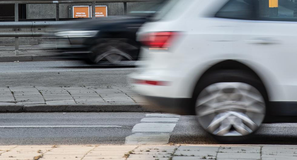 Minskad medelhastighet i tätort men få håller skyltad fart