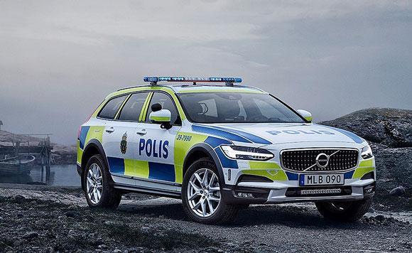Nya polisbilarna blir teknikstinna
