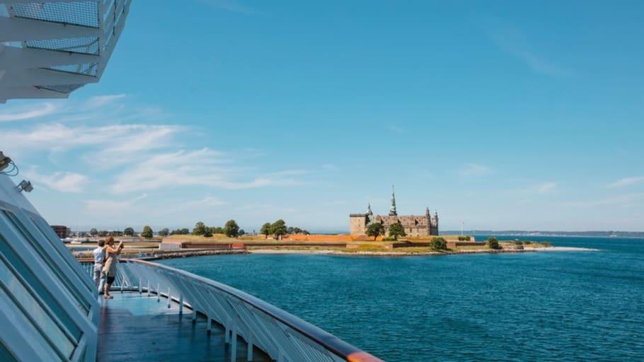Danmark lättar nu på inreserestriktionerna och välkomnar svenskar förutsatt att de är boende i Skåne, Blekinge Halland eller Västra Götaland.