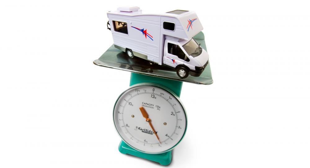 Håll koll på husbilens vikt – och undvik böter
