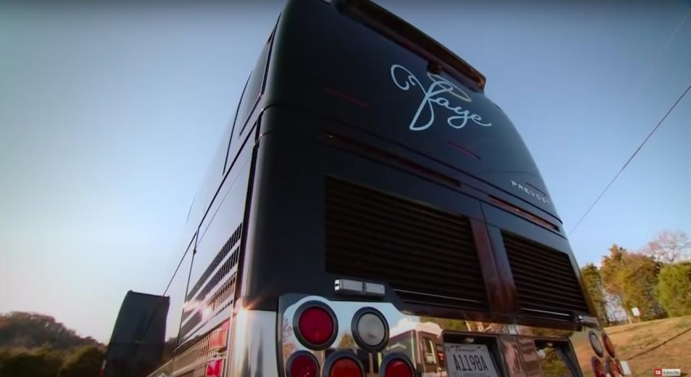 15 kändisars lyxiga husbilar