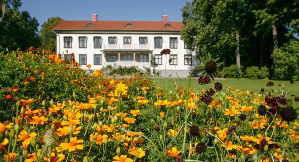 Björkborns Herrgård var Alfred Nobels sommarhus och hans sista bostad i Sverige innan han dog i sin villa i San Remo i Italien den 10 december 1896.
