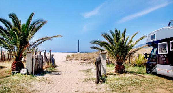 Smultronställe i Korsika med strandnära boplats.