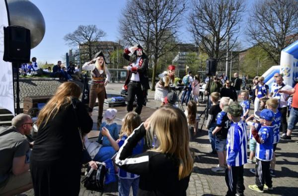 Tidigare i vår besökte piraterna Ullevi då Daftö Resort var matchvärd. Nu är det dags för IFK att besöka Daftö.