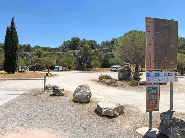 Ställplatser verkar vara det bästa tipset för hemvändande resenärer, medan campingar ofta håller stängt. Det bästa tipset är att kolla på ställplatsernas hemsidor.